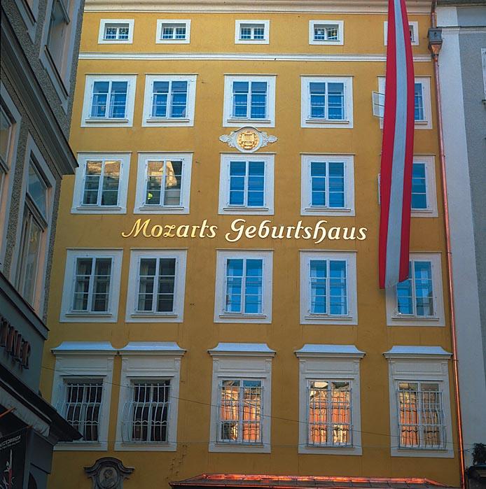 24_X_MozartsGebHaus_A