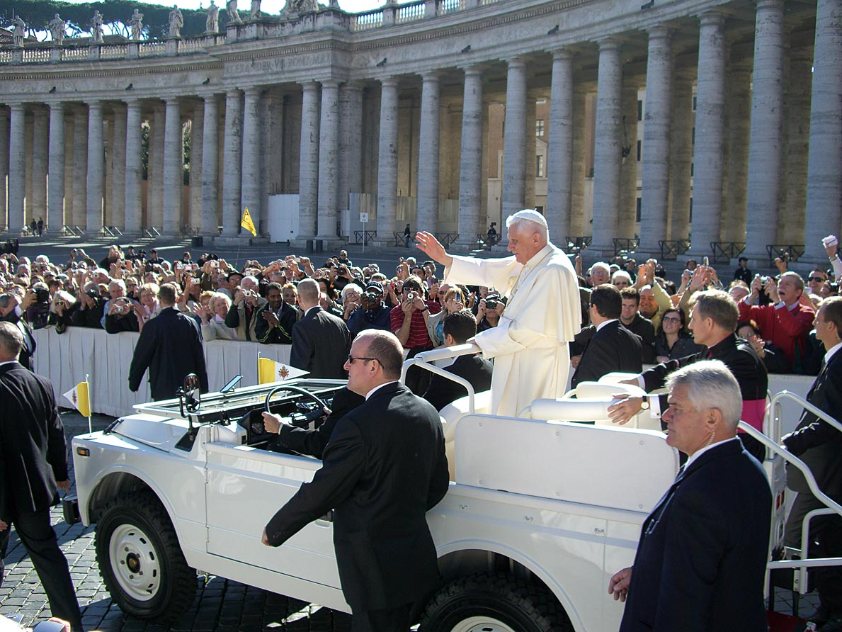 24_X_Papstaudienz_Petersplatz November 2007