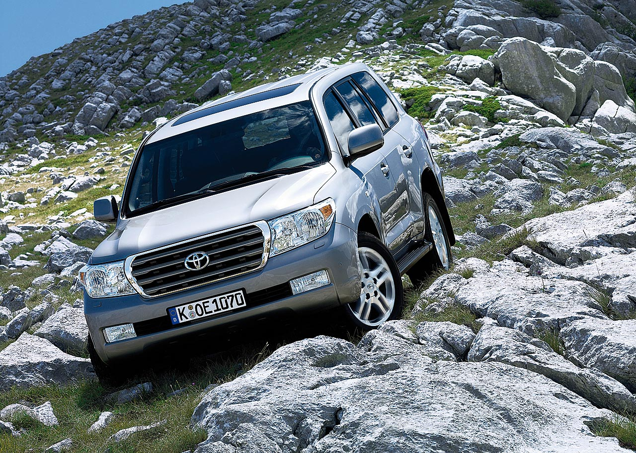 24_X_Toyota_Land Cruiser V8 2008