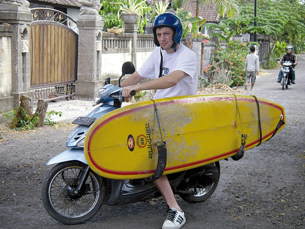 surfboard.moped