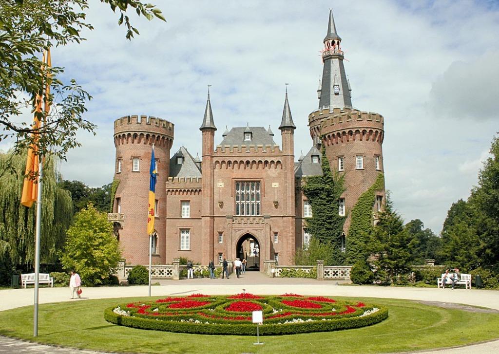 Schloss_Moyland_Front.Quer