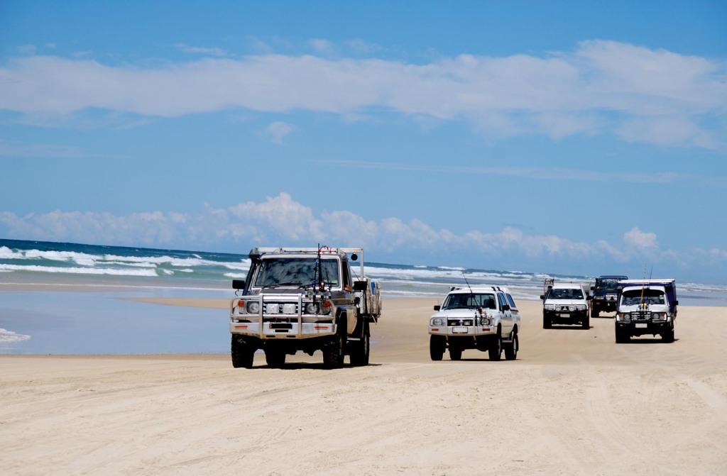 4-W-Drive- Konvoi auf der Sandpiste_rwg#150B