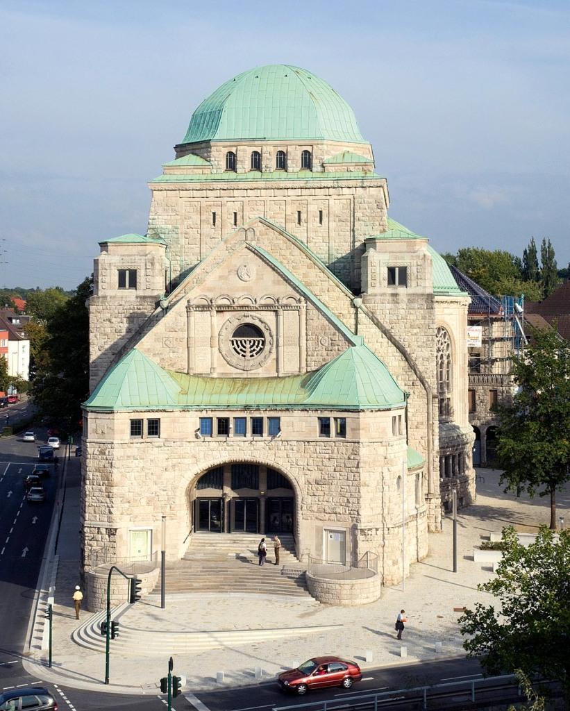 Blick vom Dach des Bistums auf die Alte Synagoge.  23. 09. 2010, Foto: Prengel