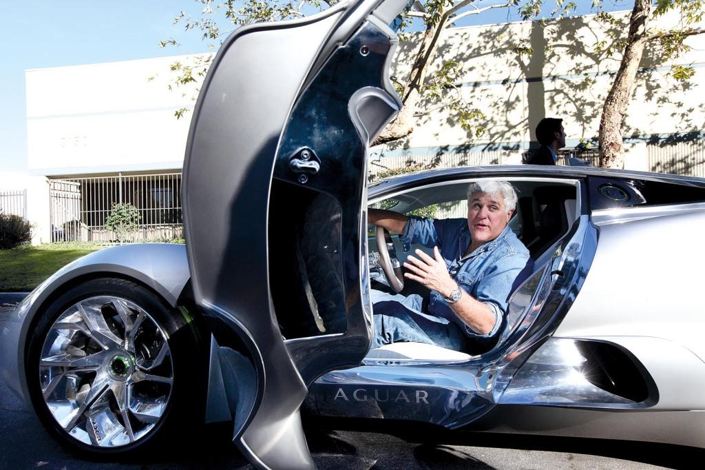 Der Jaguar C-x75 Concept mit Jay Leno als Testimonial. Die US-Talklegende ist bekennender Automobilfan.