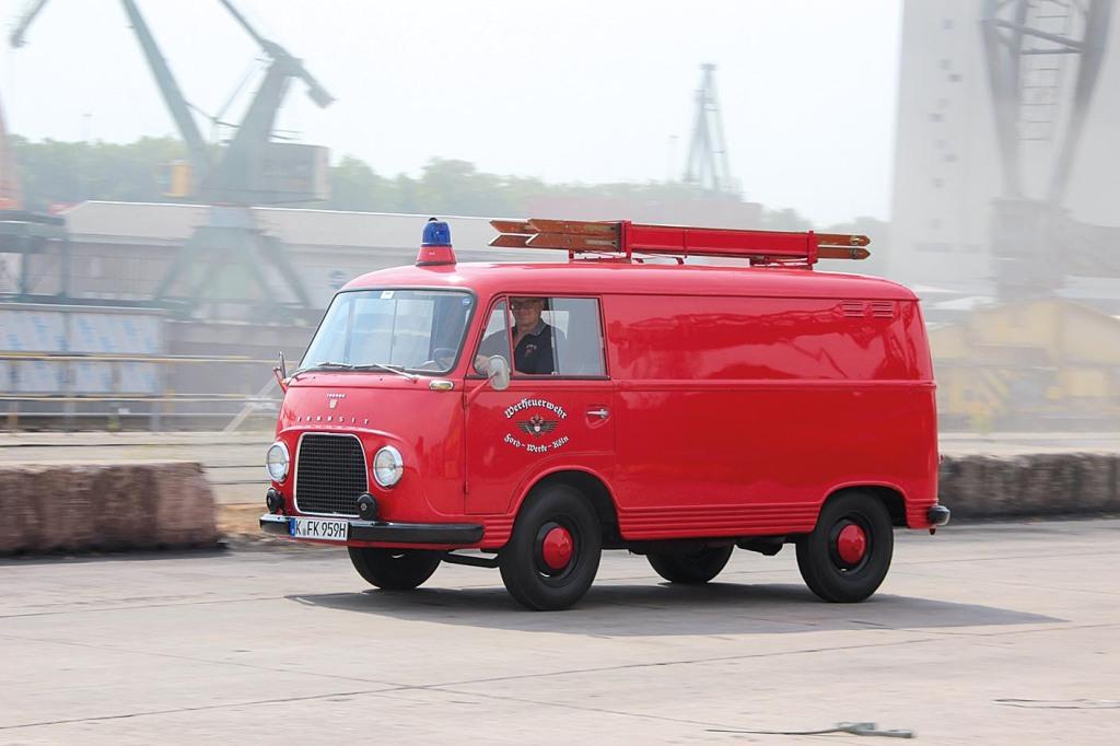 Ford_Transit_Werksfeuerwehr_7.jpg