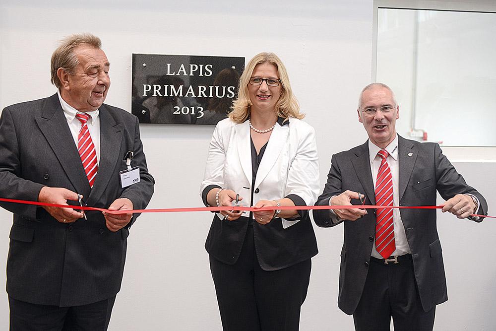 (v.l.n.r): Peter Zaremba (KÜS-Präsident), Anke Rehlinger (Ministerin für Wirtschaft, Arbeit, Energie und Verkehr des Saarlandes), Peter Schuler (KÜS-Geschäftsführer)