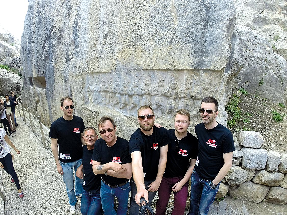 Das Team 007 Wüstenfieber: Matthias Mohn, Markus Schwarz, Alfred Milantzkis, Cornelius Burtscher, Clemens Zwisler und Michael Rehe.