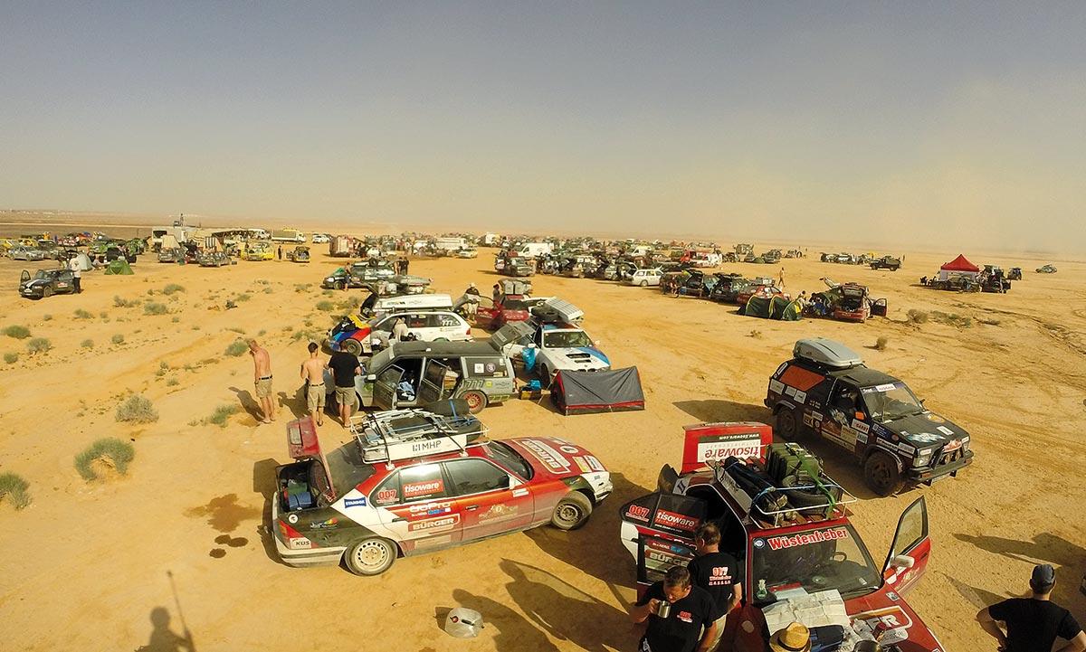 Das erste Wüstencamp in Jordanien. Kurz vor der Abfahrt zur Wüstenprüfung.