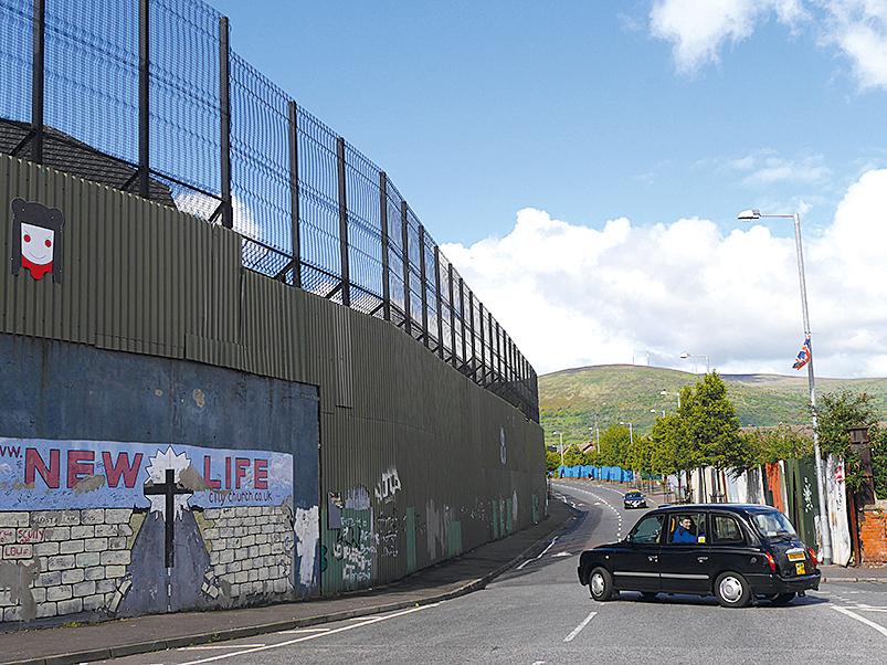 Mit dem Sightseeing-Taxi unterwegs in den Problemvierteln Belfasts_rwg