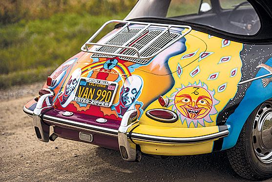 Erst in den frühen 1990ern erkannte die Familie den Wert des Wagens als Artefakt der Hippie-Ära und ließ die künstlerische Gestaltung erneut auftragen.