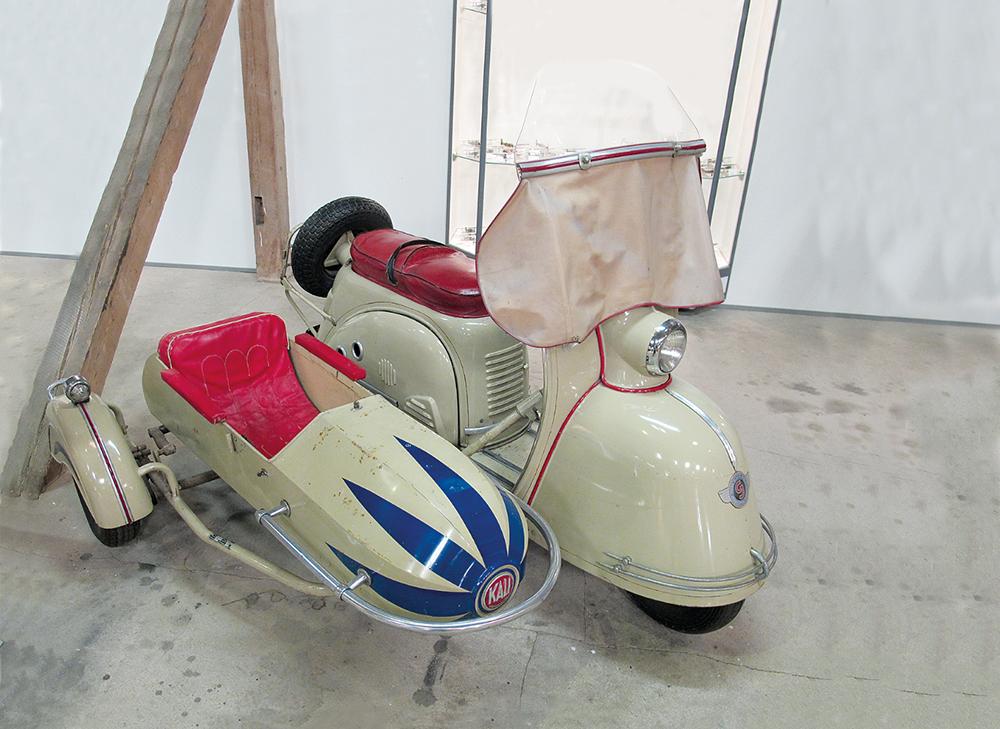 Goggo-Roller mit Seitenwagen IMG_1801