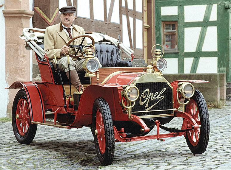 1909-opel-doktorwagen
