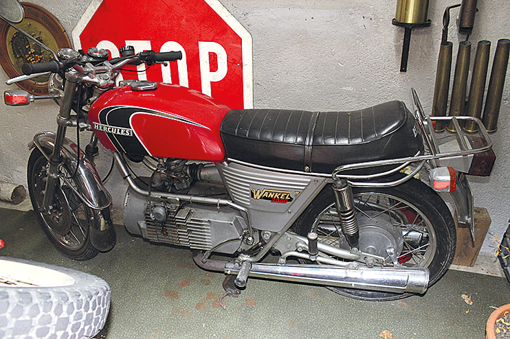 Der »Schnauferlstall« offenbart einzig- artige Fundstücke an Motorrad-Raritäten zwischen 1922 und den Siebzigejahren.