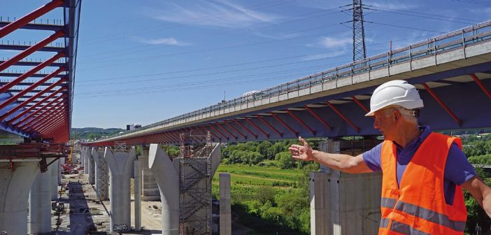 985 Meter lange Brücke wird um 20 Meter quer versetzt